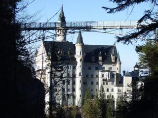 обои Многоэтажнле здание замка фото