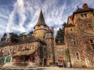 обои Хмурый старинный замок фото