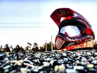 обои Шлем на фоне неба фото