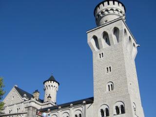 обои Смотровая башня замка на фоне неба фото