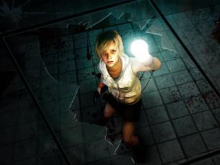 обои Девушка в окровавленной комнате с фонариком фото