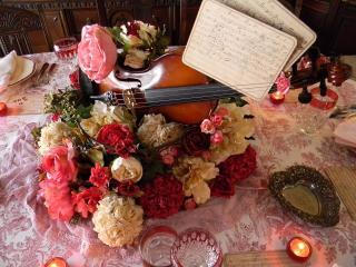 обои Скрипка,   ноты и цветы фото