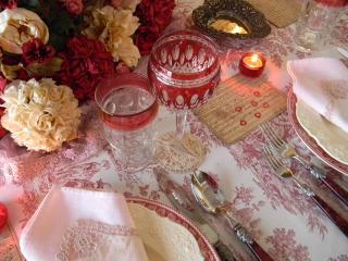 обои Фужеры,   цветы и свеча фото