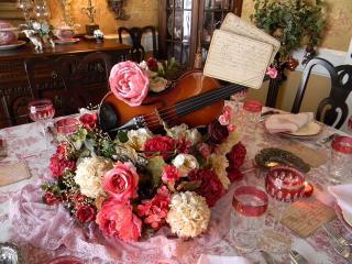 обои Цветы и скрипка фото