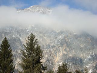 обои Гора в облаках фото