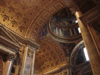 обои Внутренние стены собора в риме фото
