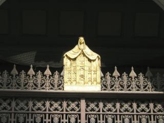 обои Ворота у собора миланского фото