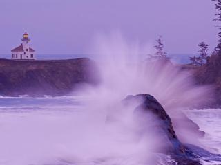 обои Волна и светящийся маяк фото