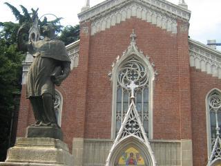 обои Скульптура святого у собора в монце фото