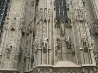обои Скульптуры на миланском здании собора фото