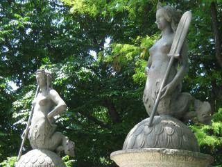 обои Статуи миланского сада фото