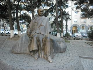 обои Статуя шевченка в тбилиси фото