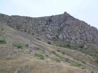 обои для рабочего стола: Каменистые склоны крымских гор