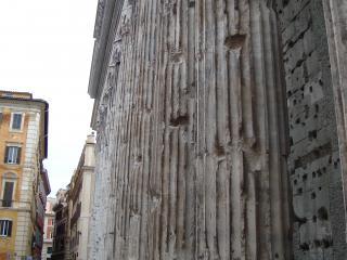 обои Древняя колонна пантеона фото
