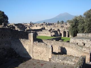 обои Уцелевшие стены зданий Помпея фото