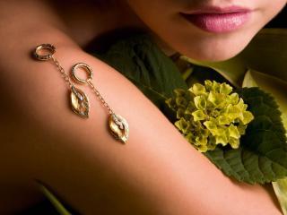 обои Золотые серьги - листья фото