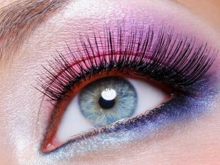 обои Макияж глаза - Розовые и синие тени в сочетании, с черной подводкой фото