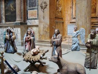 обои Эпизод рождественский из деревянных скульптурок фото