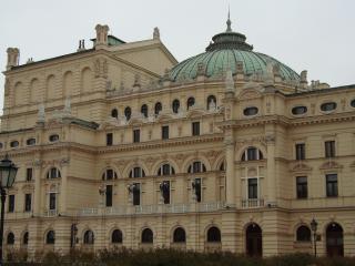 обои Здание оперы в Кракове фото