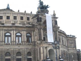 обои Здание оперы Земпера в Дрездене фото