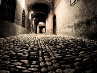 обои Узкий переулок,   вечер,   фонари фото