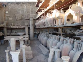 обои Уцелевшие амфоры древней Италии фото