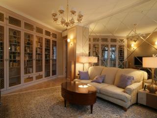 обои Библиотека в светлых тонах фото