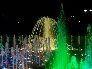 обои Праздник фонтанов фото