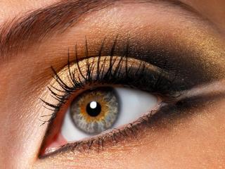обои Макияж глаза - Золотистые тени с черной подводкой фото