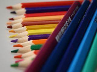 обои Заточенные карандаши разных цветов фото