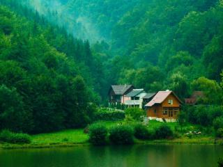 обои Дачные домики в зеленых горах фото