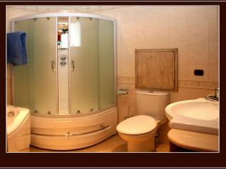 обои Ванная комната с душевой кабинкой фото
