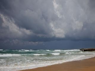 обои Холодный день на море фото