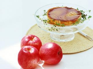 обои Десерт в креманке и яблоки фото
