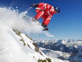 обои Сноубордист на снежном прыжке фото