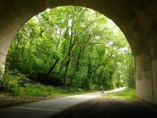обои На выезде из тунеля фото