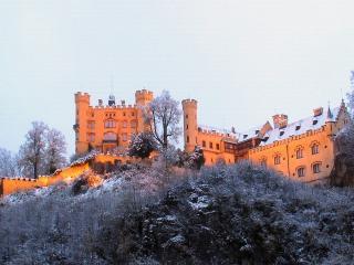 обои Жёлтый замок фото