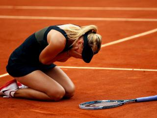 обои Слезы радости теннисистки фото