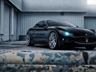 обои Maserati  на площадке фото