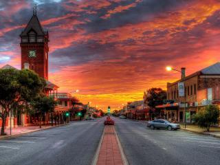 обои Багровое небо над вечерним городом фото