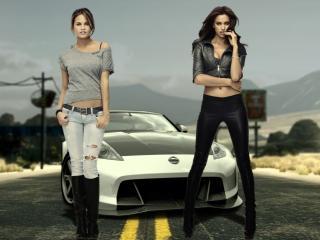 обои Nissan и две девушки фото