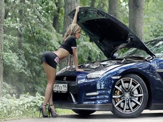 обои Nissan и девушка фото
