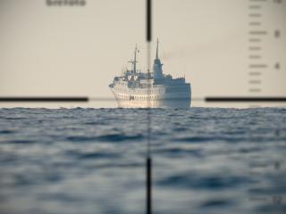 обои Корабль под прицелом фото