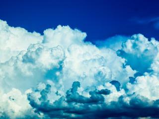 обои Облака в синем небе фото