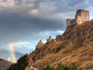 обои Развалины старого замка и радуга фото