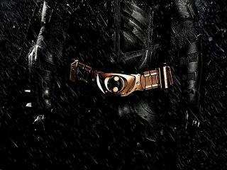 обои Пояс на костюме под дождем фото