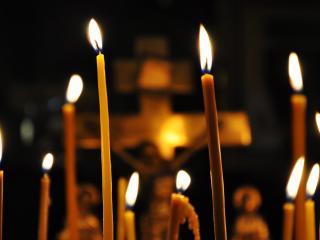 обои Свечи в церкви фото