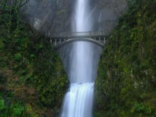 обои Мост над водопадом фото