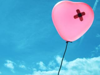обои В небе розовый шарик фото