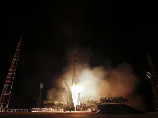 обои Старт ракеты на космодроме фото